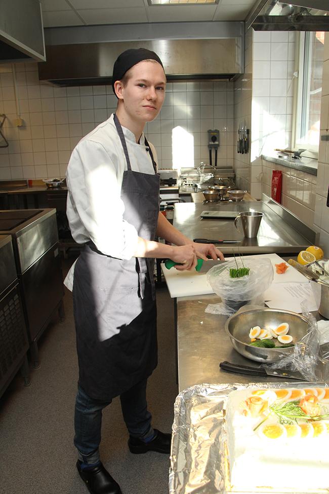 Mathias Andelin i köket
